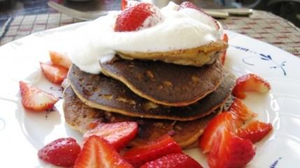 banana-blueberry-almond-pancakes