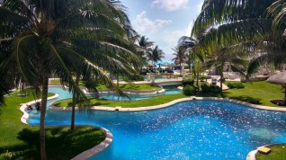 Instameet-marriot-cancun-dive-pool