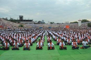 21st June JS Yog International Yoga Day Yashwant Stadium, Nagpur CM Devendra Fadnavis Union Minister Nitin Gadkari_122