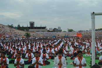 21st June JS Yog International Yoga Day Yashwant Stadium, Nagpur CM Devendra Fadnavis Union Minister Nitin Gadkari_123
