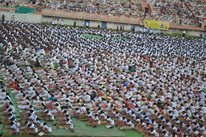 21st June JS Yog International Yoga Day Yashwant Stadium, Nagpur CM Devendra Fadnavis Union Minister Nitin Gadkari_21