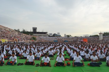 21st June JS Yog International Yoga Day Yashwant Stadium, Nagpur CM Devendra Fadnavis Union Minister Nitin Gadkari_40