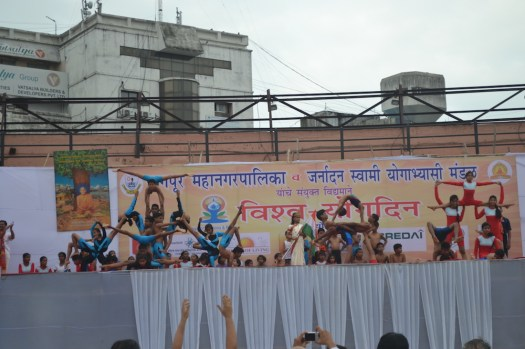 21st June JS Yog International Yoga Day Yashwant Stadium, Nagpur CM Devendra Fadnavis Union Minister Nitin Gadkari_79