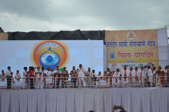 21st June JS Yog International Yoga Day Yashwant Stadium, Nagpur CM Devendra Fadnavis Union Minister Nitin Gadkari_94