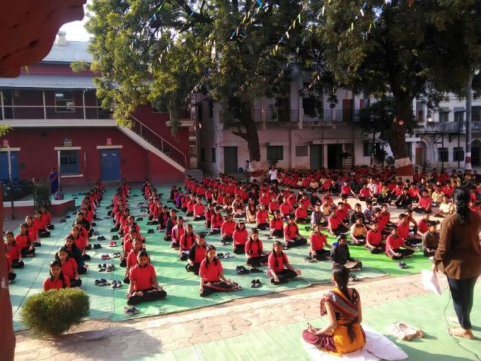 js yog shaleya spardha New English high school Mahal
