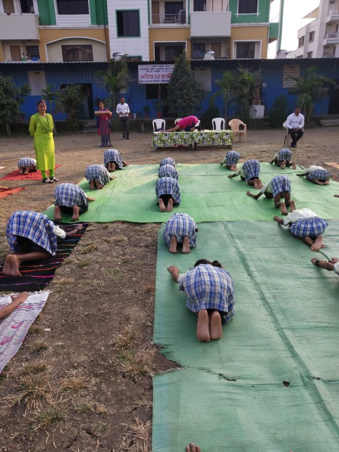 Navchaitanya-uchcha-prathamik-shala-29-11-19-Inter-school-yoga-competition-training-2019
