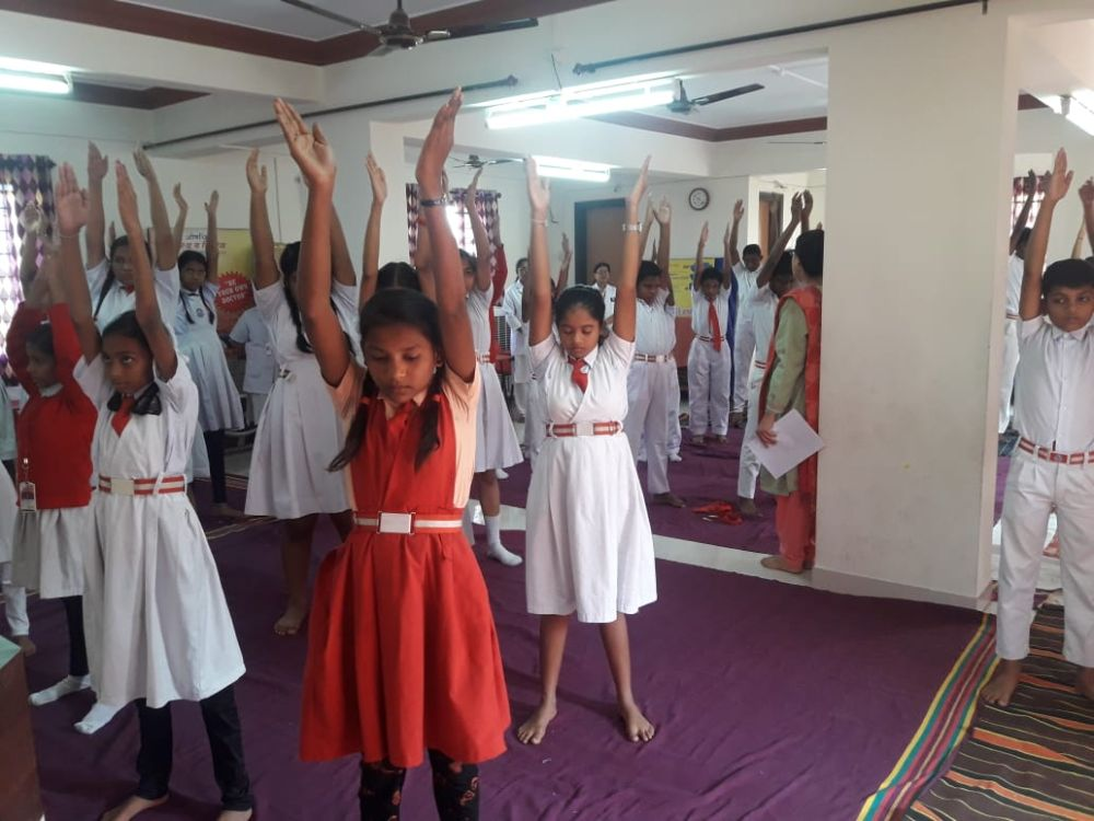 New-Meridian-Convent-23-11-19-Inter-School-Yoga-Competition-training-2019