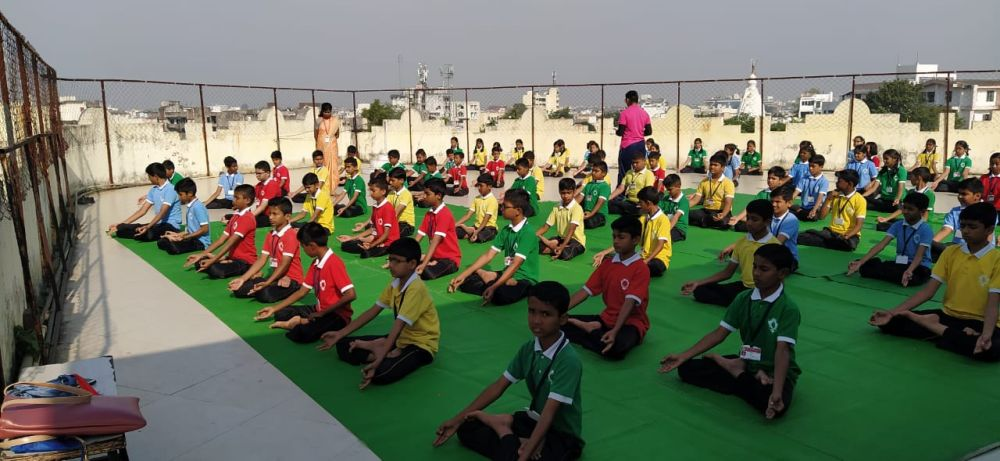 Swami-Awadheshanand-Public-School-Inter-School-Yoga-Competition-training-2019-1