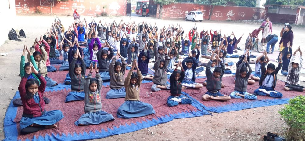Madangopal-school-7th-8th-class-19-12-19-Inter-school-yoga-competition-training-2019
