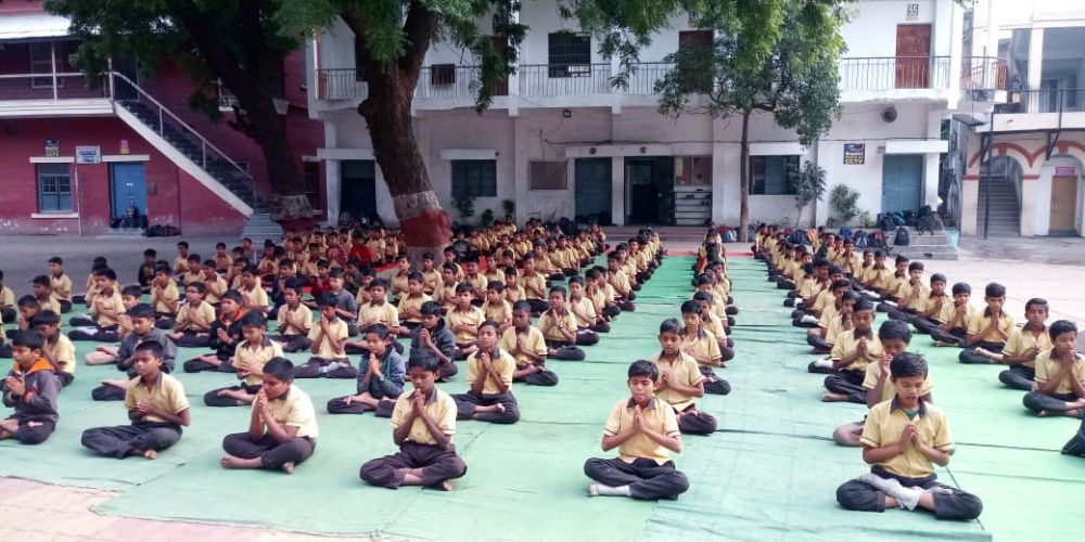 New-English-High-School-Mahal-9-1-20-Inter-school-yogasan-competition-training-2019-1