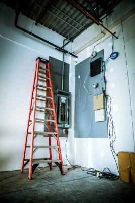 electricista comercial, Administradores de Complejos Residenciales y Propiedades Comerciales, contratista electrico