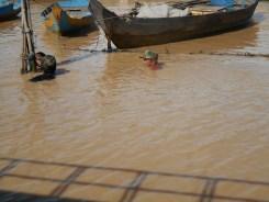 Tonlé Sap fishing