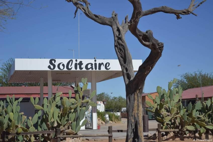 Een stop onderweg om te tanken: Solitaire