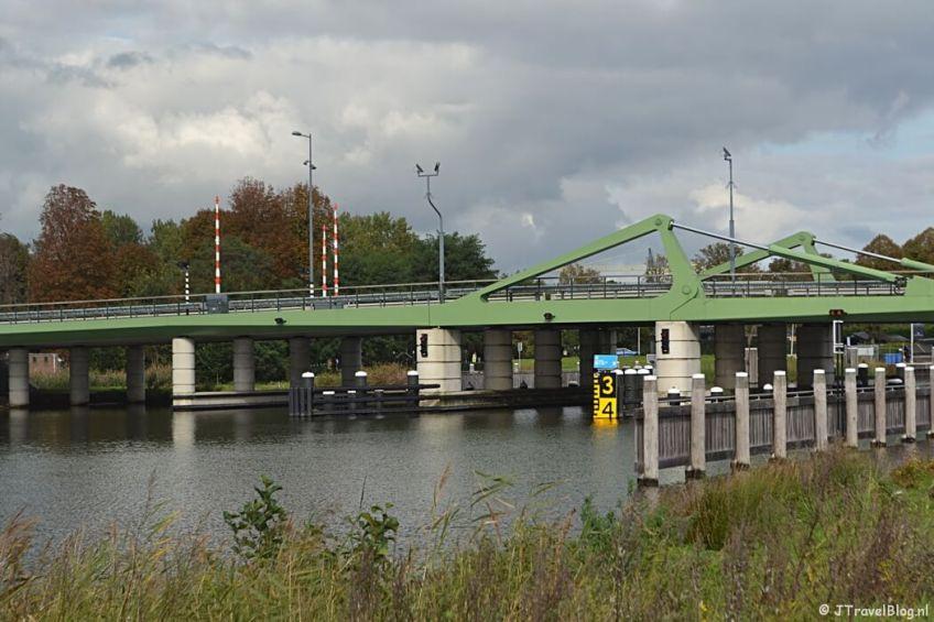 De brug bij Muiden tijdens de 3e etappe van het Westerborkpad
