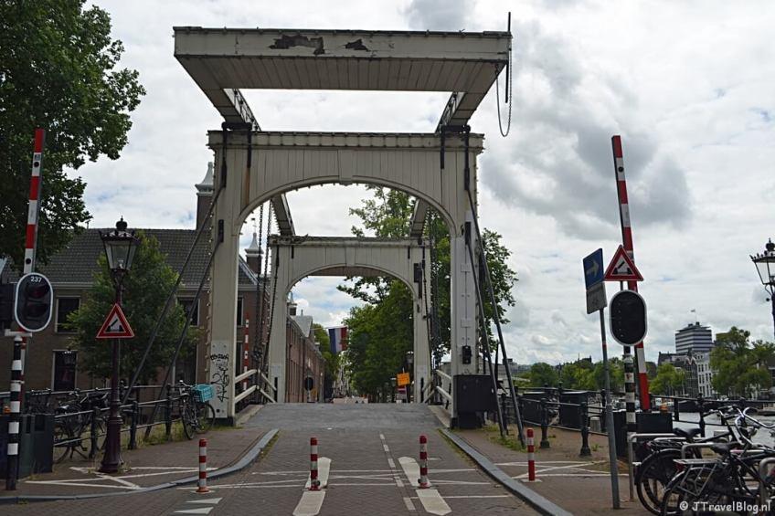De Walter Süskindbrug in Amsterdam tijdens etappe 0 van het Westerborkpad