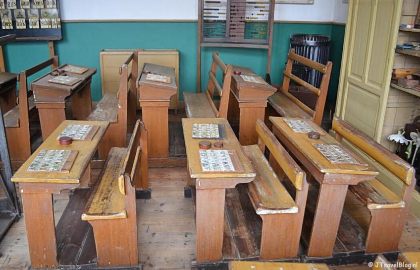 De school in Openluchtmuseum Het Hoogeland in Warffum