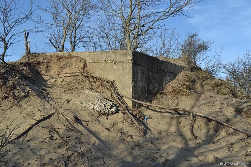 Een bunker op de Rozenberg tijdens de bunkerroute in de Amsterdamse Waterleidingduinen