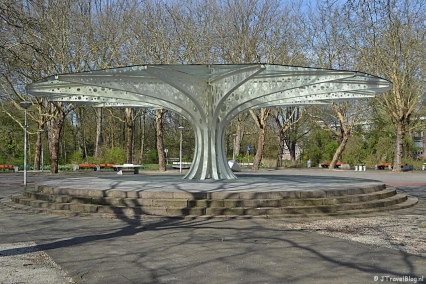 Het Gijsbrecht van Aemstelpark tijdens mijn wandeling langs het groene deel van de Amsterdamse Zuidas