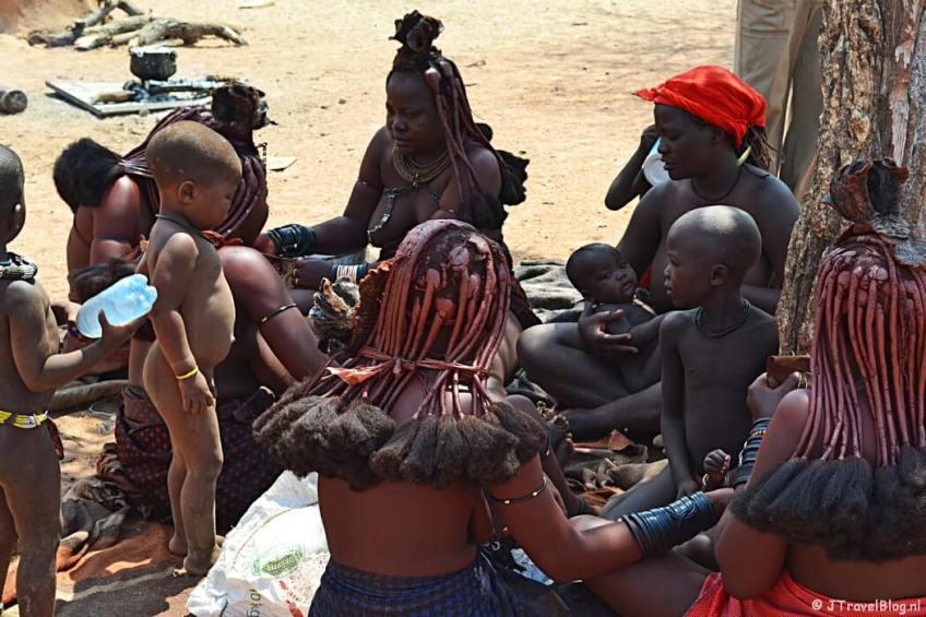 De Himba's in Namibië