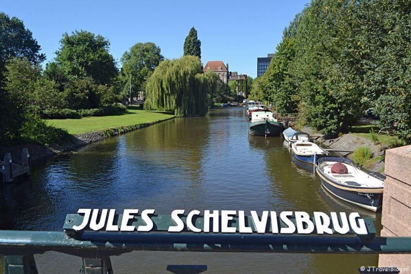 De Jules Schelvisbrug in Amsterdam tijdens de 1e etappe van het Westerborkpad