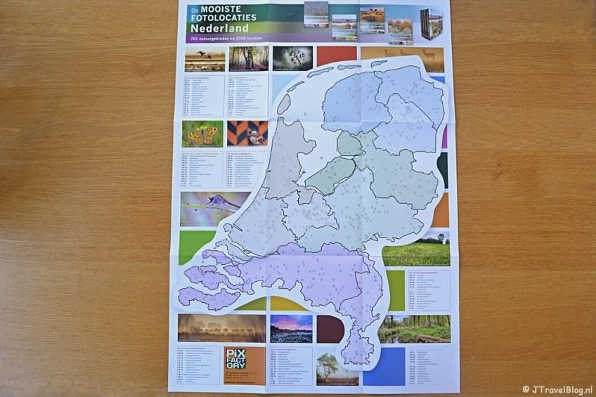 De kaart van Nederland als bijlage bij het boek 'De mooiste fotolocaties van West-Nederland'