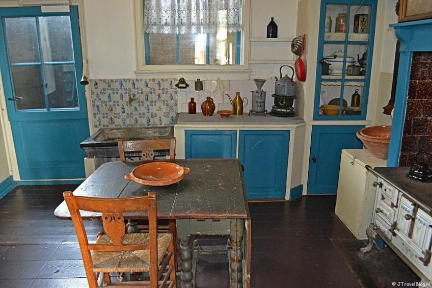 De keuken van de molenaarswoning in Molenmuseum De Valk in Leiden