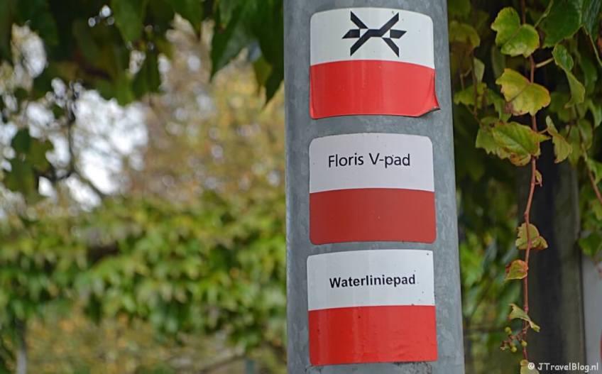 Overzicht van de Lange-Afstand-Wandelpaden (LAW's) in Nederland: Markeringen van het Westerborkpad, Floris V-pad en het Waterliniepad