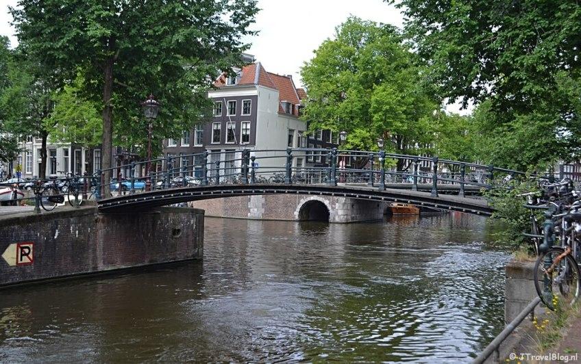 De Melkmeisjesbrug in Amsterdam tijdens etappe 0 van het Westerborkpad tijdens etappe 0 van het Westerborkpad