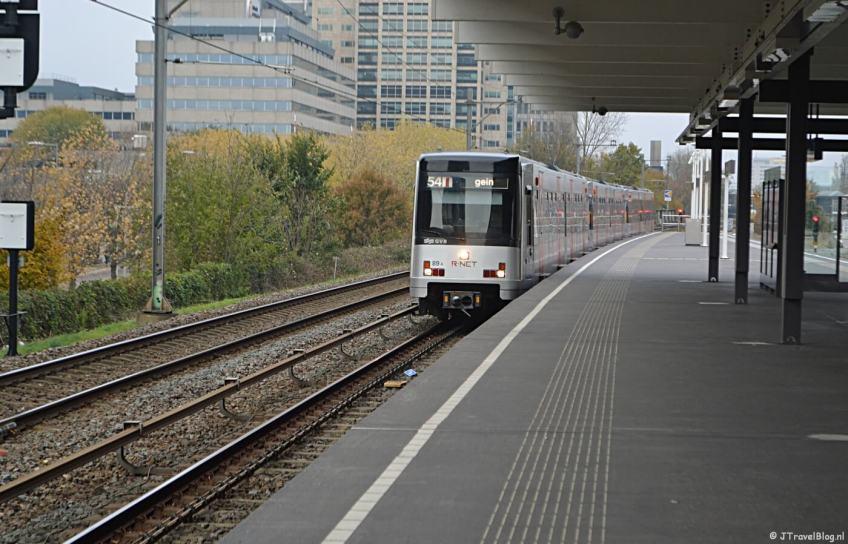 De metro naar Station Gein