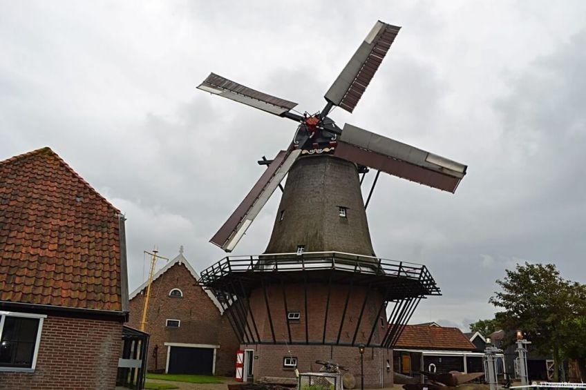Molen 'De Traanroeier' in het Kaap Skil Museum in Oudeschild op Texel