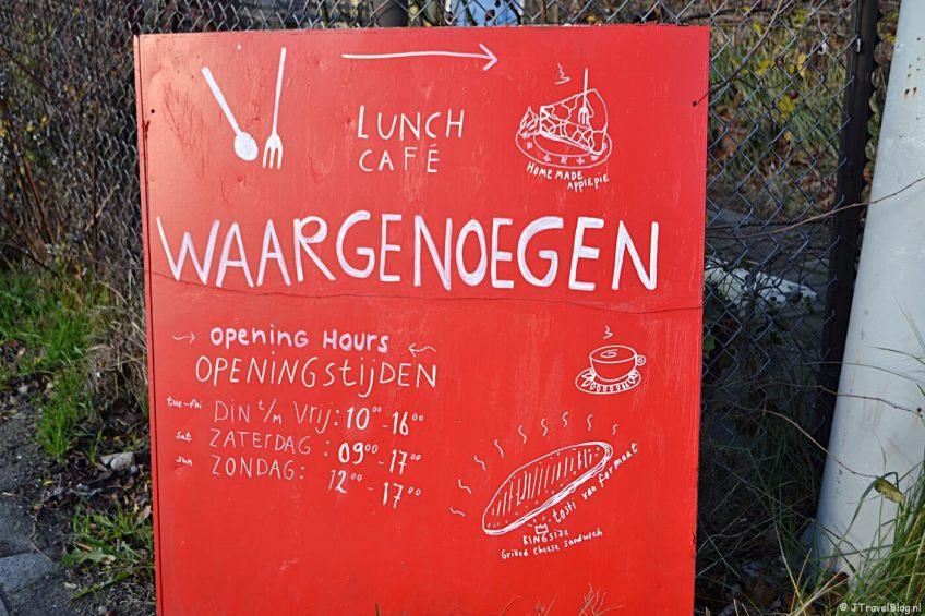Restaurant Waargenoegen aan de Papaverweg in Amsterdam-Noord