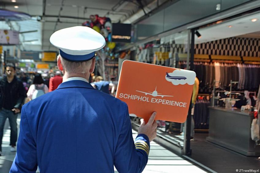 Follow de buschauffeur voor de Schiphol Experience