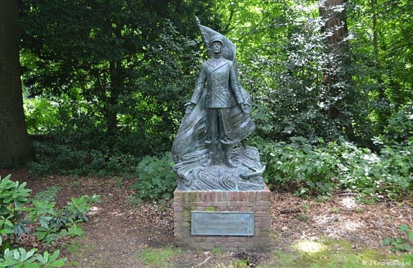 Standbeeld voor Gerard en Lodewijk van Hamel in Baarn tijdens de 7e etappe van het Westerborkpad