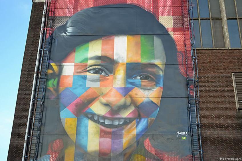 Streetart van Anne Frank op de NDSM-werf tijdens mijn wandeling in Amsterdam-Noord