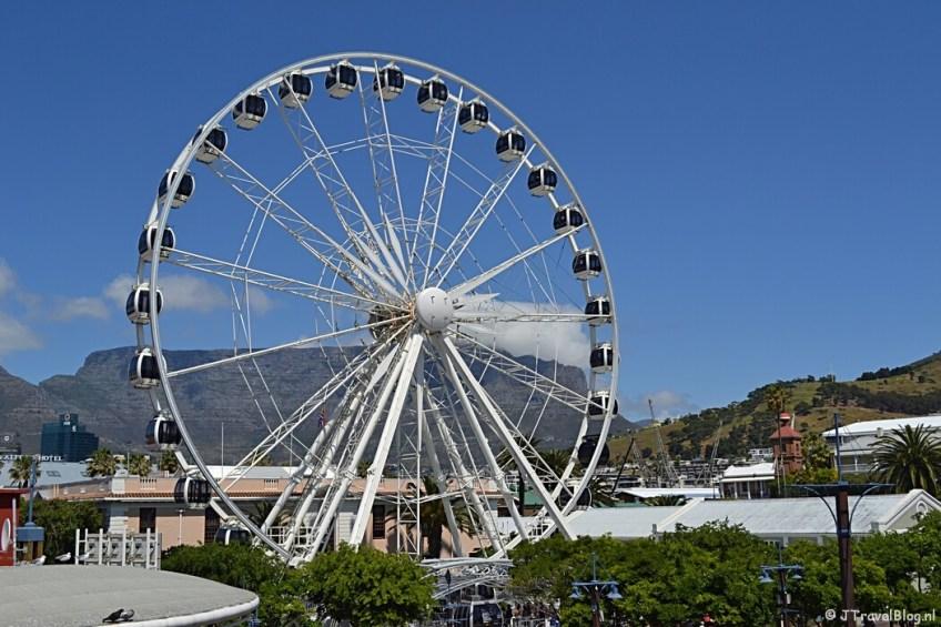 Het reuzenrad in Victoria & Albert Waterfront in Kaapstad