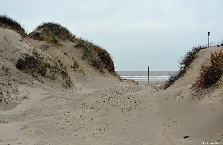 Wandelen in de duinen van IJmuiden: een doorkijkje naar zee