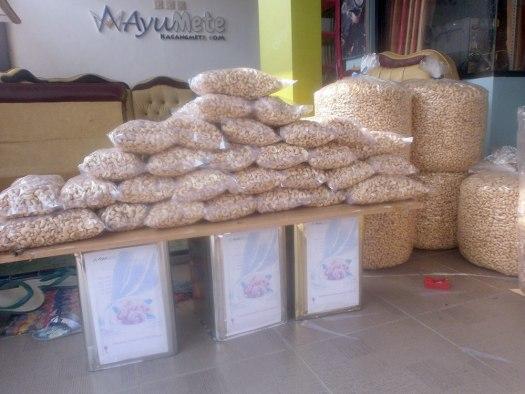distributor kacang mete