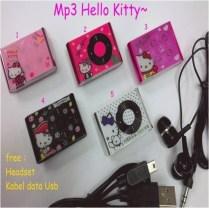 MP3 Mini HELLO KITY Lucu MP3 mini Hello kity yang satu ini sangat lucu, karena desaiinya yang full colour dan bentuknya yang mungil sangat cocok buat penggemar musik serta barang wajib buat Kitty Lovers ^^ Deskripsi: Tipe: MP3 Warna: Biru, Merah, Hitam, Pink Dimensi (L x W x D, mm): 44x30x8mm Berat :40 gram Audio Format: MP3 WAV WMA Expansion Slot: Micro SD Card Expansion Capacity: 8GB Battery Type: Built-in Rechargeable Lithium-Ion Battery Battery Life: 3-5 hours Compatible Operating System: Microsoft Windows 98/SE/2000/ME/XP/Vista/7, Mac OS 8.6, Linux 2.4.2 Headphones Jack: 3.5mm Stereo Jack Sudah termasuk paket: 1 MP3 Player 1 Earphone 1 USB Cable