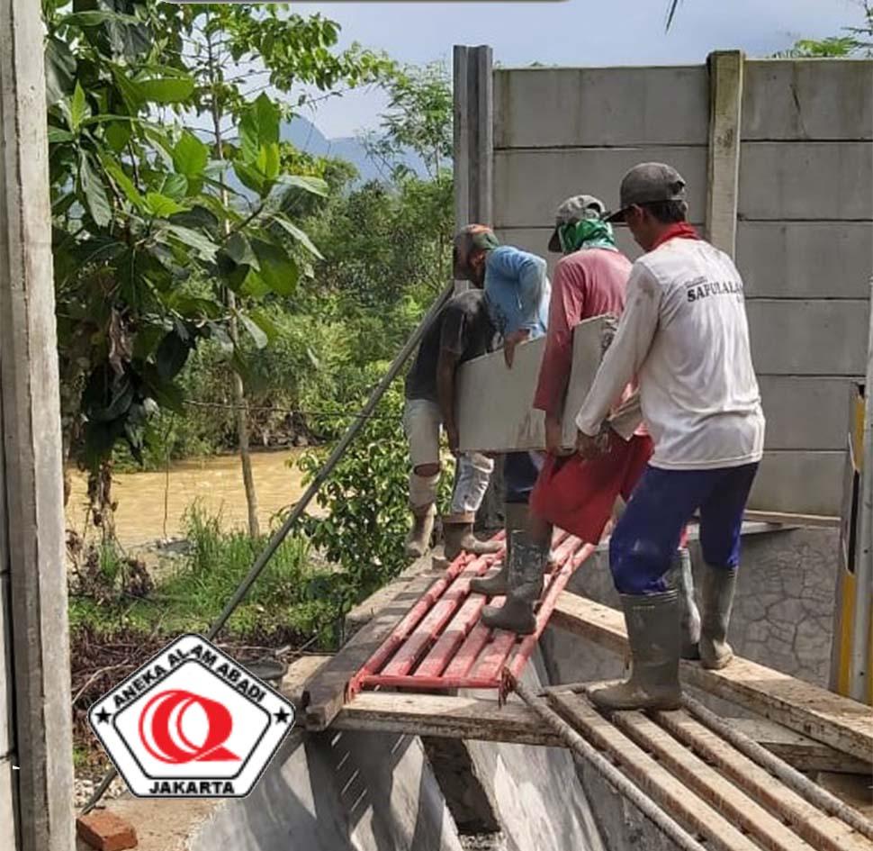 perbaikan pagar beton