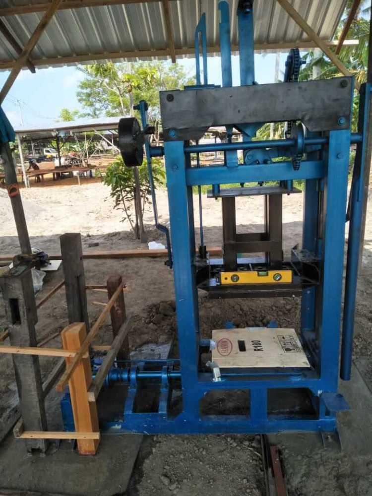 mesin press batako