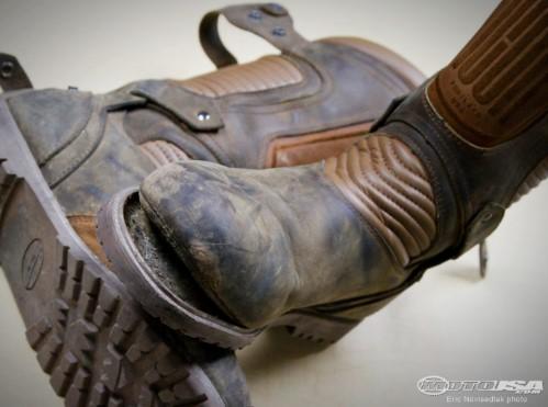 Mengapa Sepatu Safety Mudah Rusak - HILDAN SAFETY