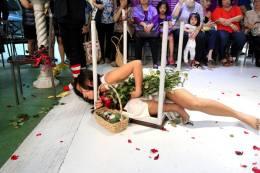 Performance Art by Joanna Lerio, Boyet de Mesa, and Rica dela Cruz. Photo by Virgilio Labial.