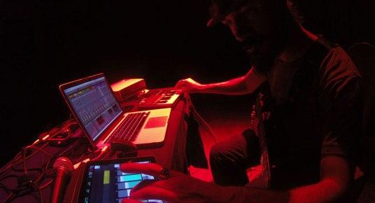 Juan Carrizo dada en Rio Grande - teclado-y-ipad