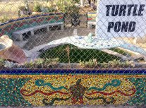 Watts Towers - pileta con tortugas