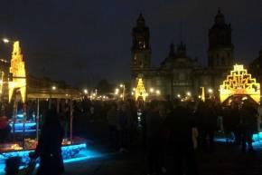 Dia de muertos en el Zocalo - Trajineras luminosas