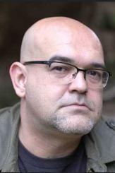 escritor Alexis Ravelo