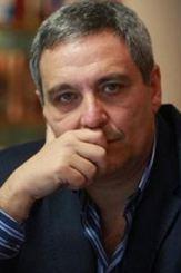 escritor Maurizio de Giovanni