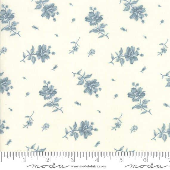 Northport Cream Blue 14883 11 by Minick and Simpson for Moda Fabrics Telas para Patchwork
