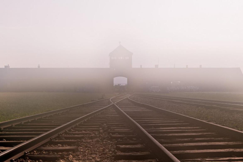 Vista entrada Auschwitz II Birkenau