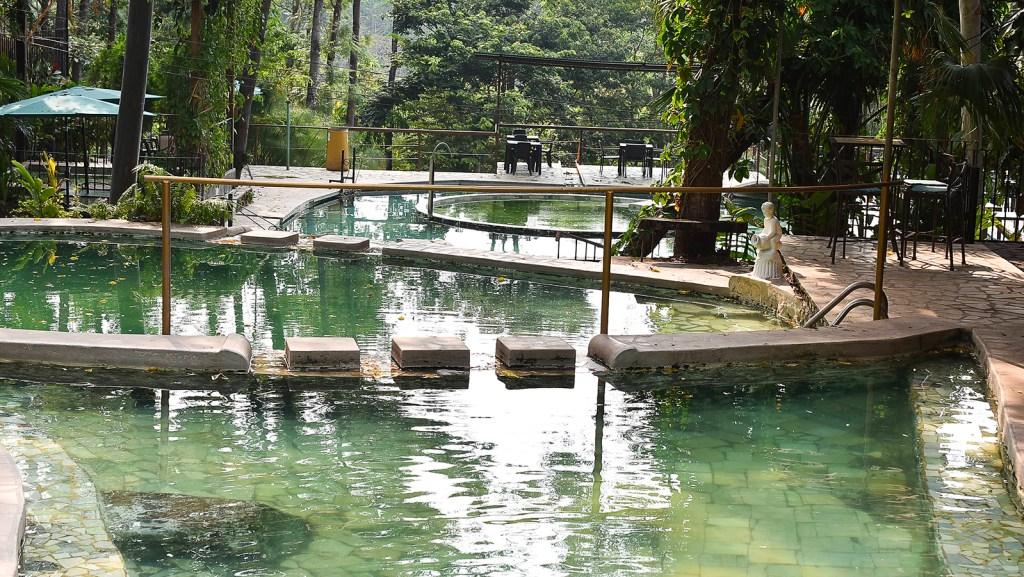 Piscinas de aguas termales de los Termales de Santa Teresa, Ahuachapán, El Salvador